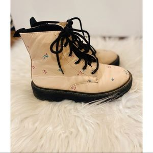 SOLD DO NOT BUYY Zara Floral Combat Boots